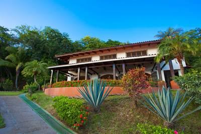 Pachanga Estate , Playa Potrero - CRI (photo 1)