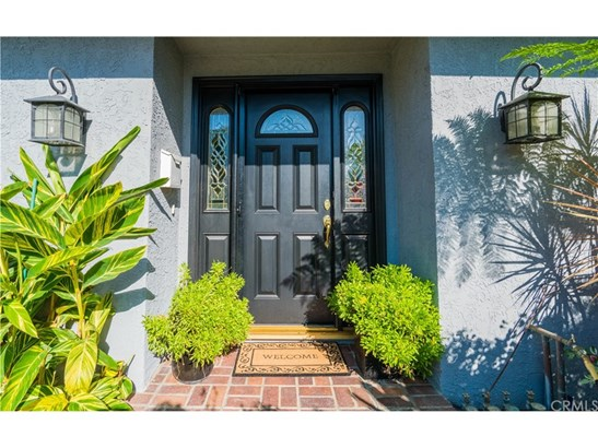 Single Family Residence, Traditional - Fountain Valley, CA (photo 5)