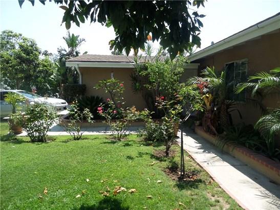 Single Family Residence - Costa Mesa, CA (photo 4)