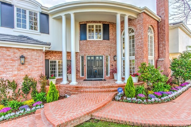 Single Family Residence, Colonial - Huntington Beach, CA (photo 3)