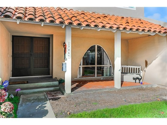 Townhouse, Traditional - Fountain Valley, CA (photo 1)