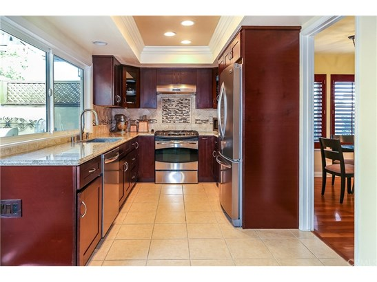 Townhouse, Traditional - Fountain Valley, CA (photo 3)