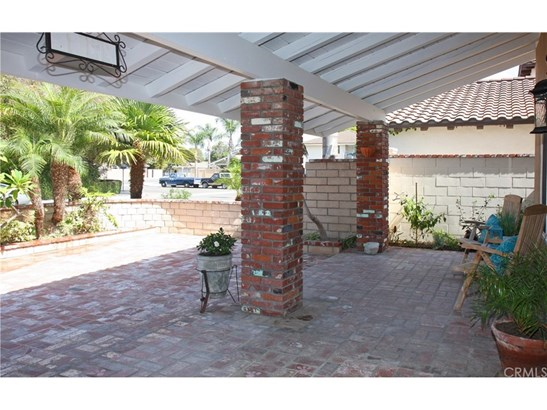 Single Family Residence - Huntington Beach, CA (photo 3)