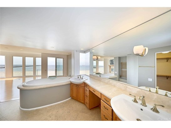 Single Family Residence - Long Beach, CA (photo 5)