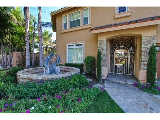 Single Family Residence, Custom Built - Huntington Beach, CA (photo 2)