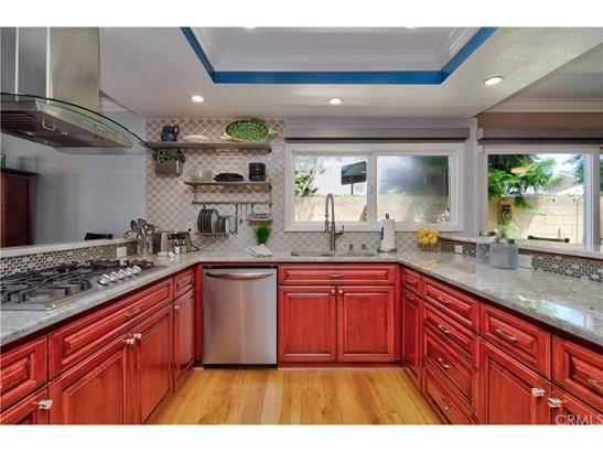 Contemporary,Mediterranean, Single Family Residence - Huntington Beach, CA (photo 3)