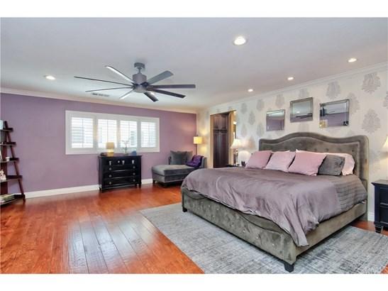 Contemporary,Mediterranean, Single Family Residence - Huntington Beach, CA (photo 4)