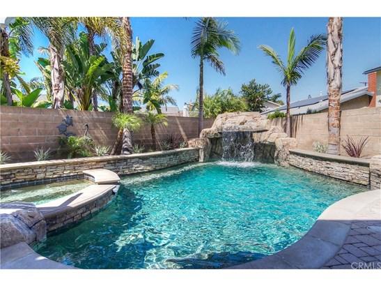 Contemporary,Mediterranean, Single Family Residence - Huntington Beach, CA (photo 5)