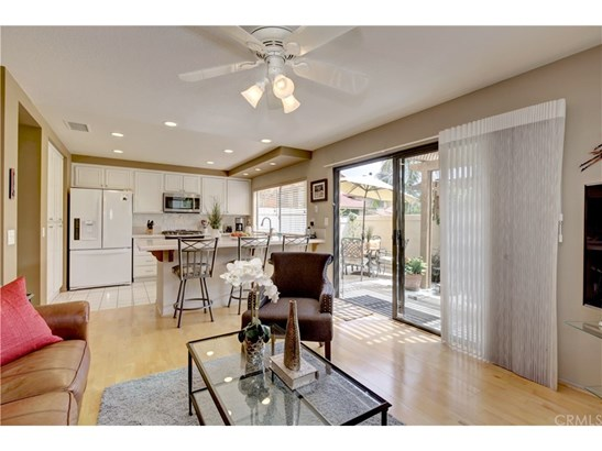Townhouse, Traditional - Fountain Valley, CA (photo 4)