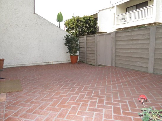 Townhouse, Contemporary - Huntington Beach, CA (photo 5)