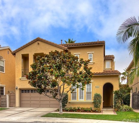 Single Family Residence, Spanish - Huntington Beach, CA (photo 2)