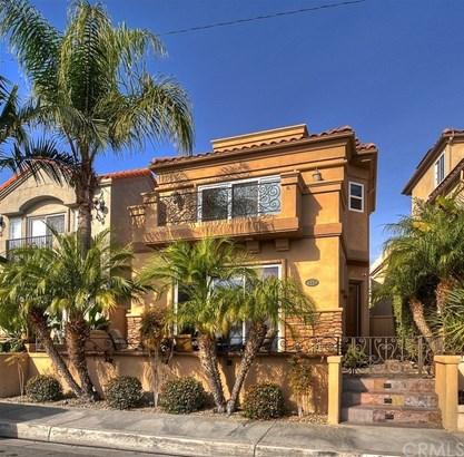 Single Family Residence, Bungalow - Huntington Beach, CA (photo 1)