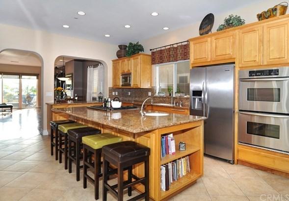 Single Family Residence, Bungalow - Huntington Beach, CA (photo 5)