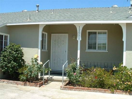 Single Family Residence - Garden Grove, CA (photo 3)