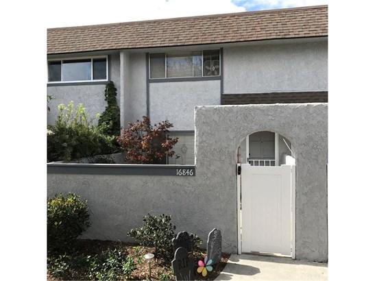 Townhouse - Huntington Beach, CA (photo 2)