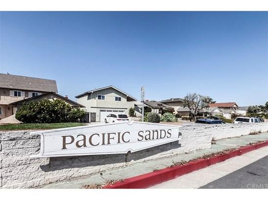 Cape Cod, Single Family Residence - Huntington Beach, CA (photo 1)
