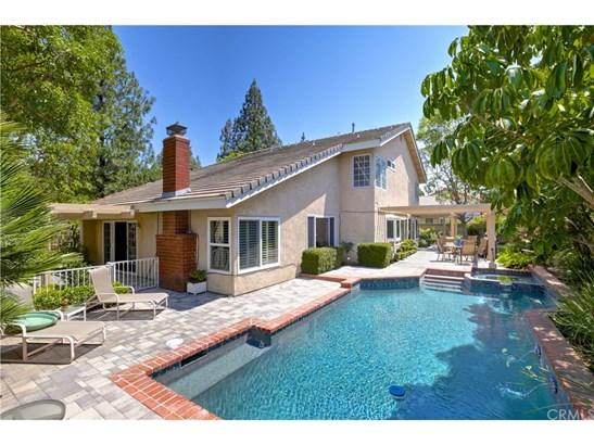 Single Family Residence, Traditional - Orange, CA (photo 5)