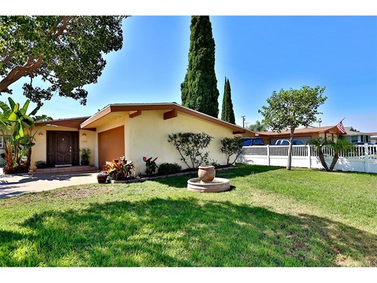 Single Family Residence, Modern - Anaheim, CA (photo 4)