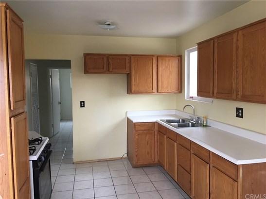 Single Family Residence - Moreno Valley, CA (photo 5)
