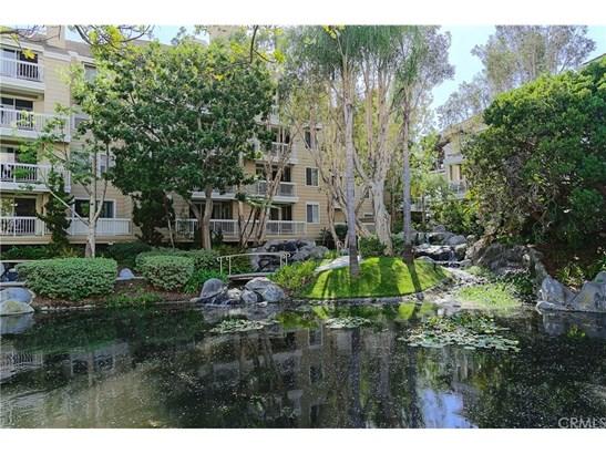 Condominium, Cape Cod - Huntington Beach, CA (photo 1)