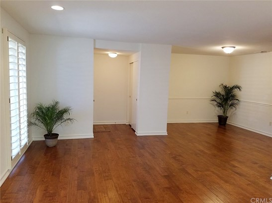 Condominium - Huntington Beach, CA (photo 5)