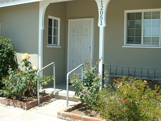 Single Family Residence - Garden Grove, CA (photo 2)