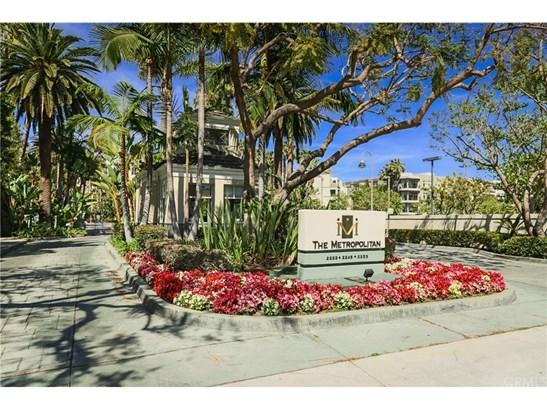 Condominium, Modern - Irvine, CA (photo 1)