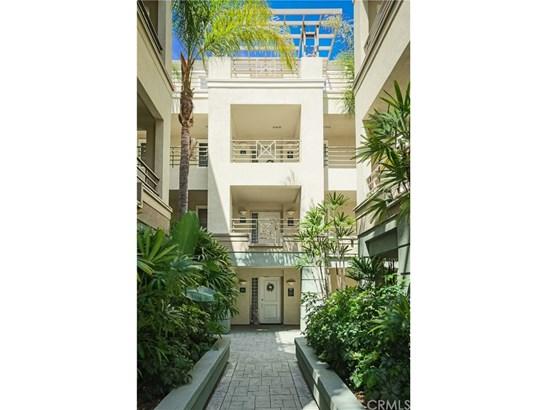 Condominium, Modern - Irvine, CA (photo 2)