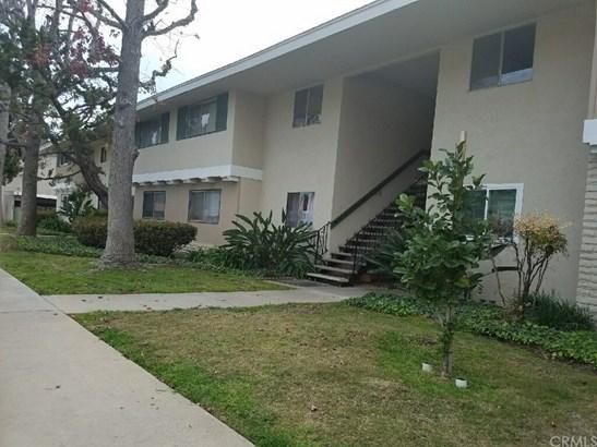 Condominium - Fullerton, CA (photo 1)