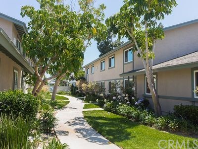 Condominium, Contemporary - Huntington Beach, CA (photo 2)