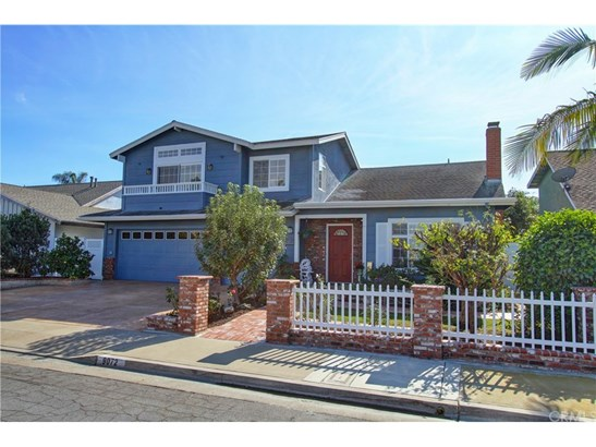 Cape Cod, Single Family Residence - Huntington Beach, CA (photo 3)