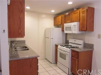 Condominium, Traditional - Huntington Beach, CA (photo 1)