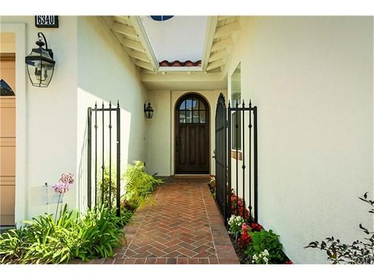 Single Family Residence, Colonial,Contemporary,Craftsman - Huntington Beach, CA (photo 4)