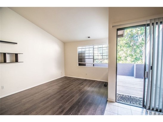 Condominium - Santa Ana, CA (photo 1)