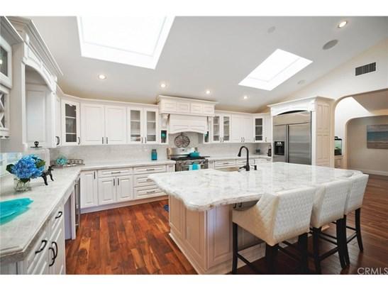 Single Family Residence, Bungalow - Huntington Beach, CA (photo 4)