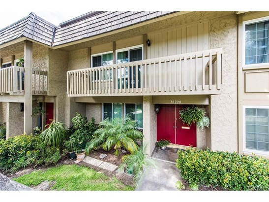 Townhouse - Fountain Valley, CA (photo 2)
