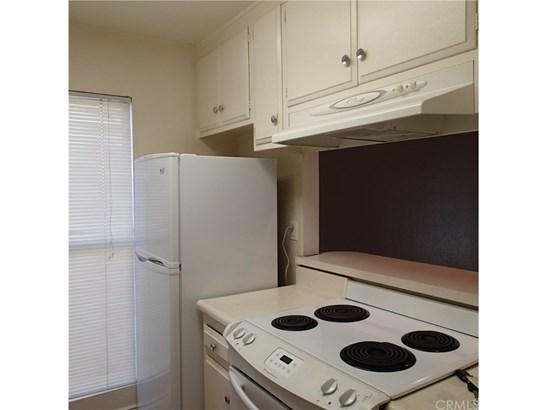 Condominium - Santa Ana, CA (photo 5)