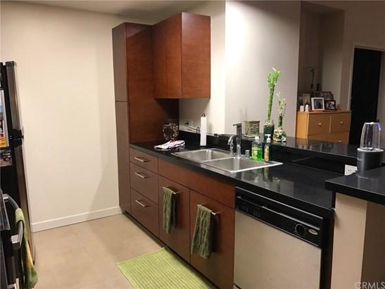 Contemporary,Modern, Condominium - San Pedro, CA (photo 2)