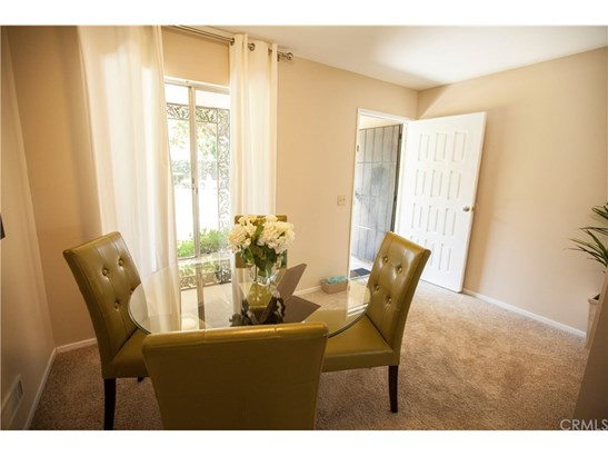 Townhouse, French - Costa Mesa, CA (photo 3)