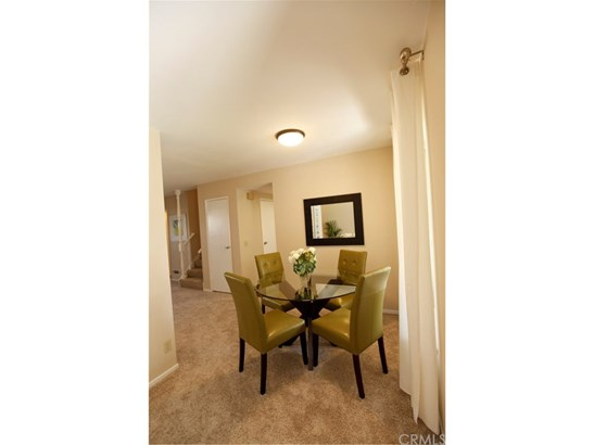 Townhouse, French - Costa Mesa, CA (photo 4)
