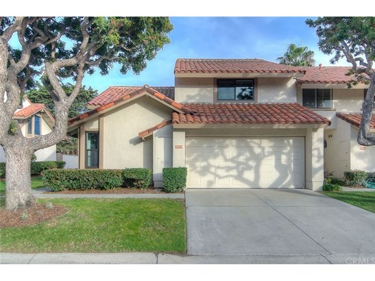 Townhouse, Spanish - Huntington Beach, CA (photo 2)
