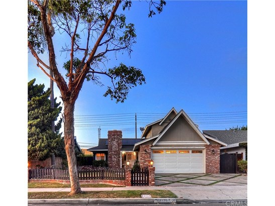 Craftsman,Traditional, Single Family Residence - Costa Mesa, CA (photo 1)