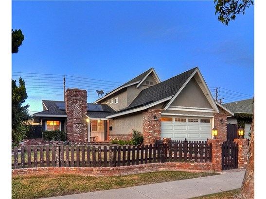 Craftsman,Traditional, Single Family Residence - Costa Mesa, CA (photo 2)