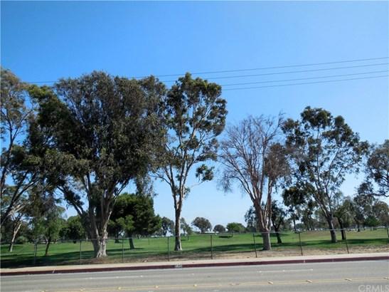 Single Family Residence, Ranch - Huntington Beach, CA (photo 5)