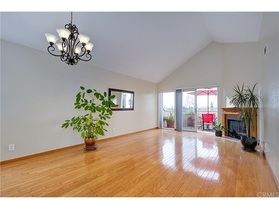 Condominium - Los Alamitos, CA (photo 1)