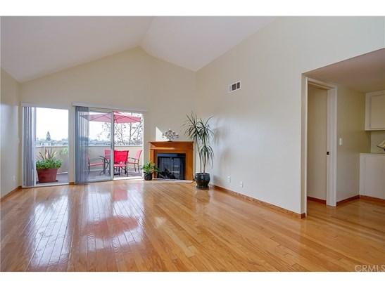 Condominium - Los Alamitos, CA (photo 4)