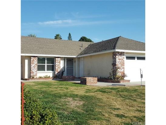 Single Family Residence, Contemporary - Laguna Hills, CA (photo 2)