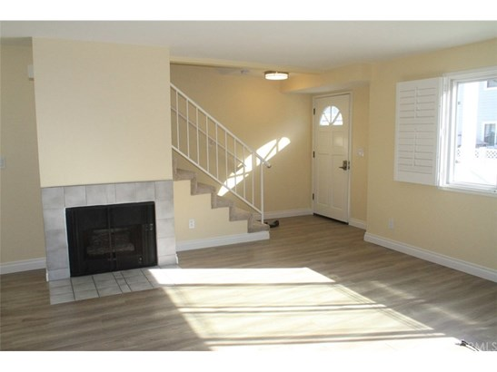 Condominium - Long Beach, CA (photo 2)