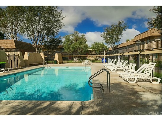 Townhouse - Fountain Valley, CA (photo 3)