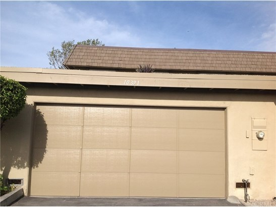 Townhouse - Fountain Valley, CA (photo 4)